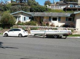 Prius tows Raceboat