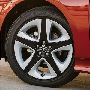 2016 Prius Touring Wheels