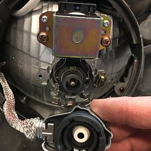 Driver side HID connection