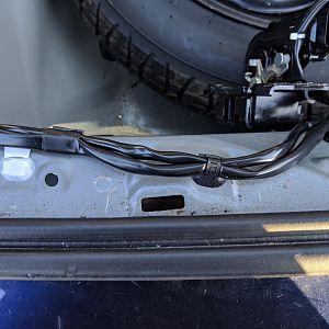 Hatchback wiring