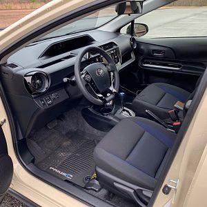 2018_Prius_C_interior