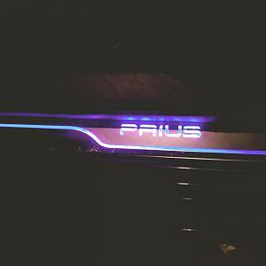 Illuminated door sill