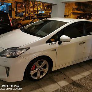 Toyota prius plug in 2013 sport