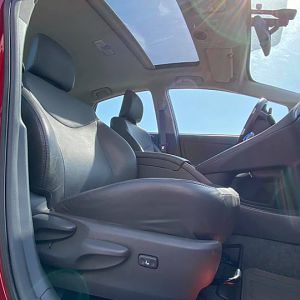 RHD driver's seat used to upgrade LHD passenger seat
