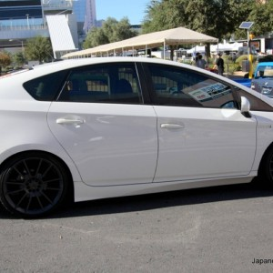 2011-custom-toyota-prius-five-axis-edition-7.JPG